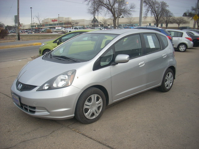 2011 Honda Fit  - JHMGE8H32BS004134