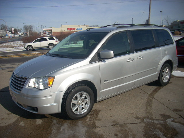2008 Chrysler Town & Country Limited - 2A8HR54P78R783129