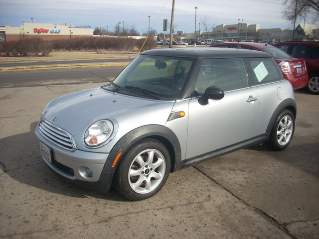 2009 MINI Cooper Dual moonroof - WMWMF33579TW78245