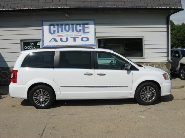 2014 Chrysler Town & Country Touring-L - 2C4RC1CG5ER277544