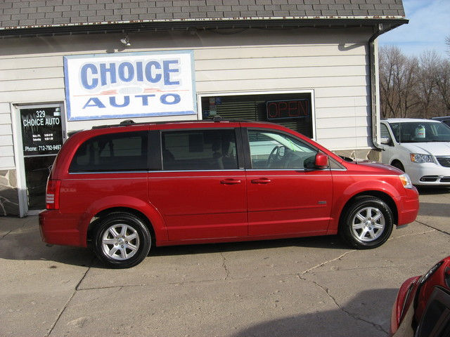 2008 Chrysler Town & Country Touring - 2A8HR54P98R786579