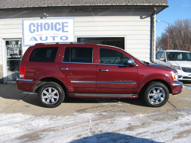 2009 Chrysler Aspen Limited - 1A8HW58T69F717938