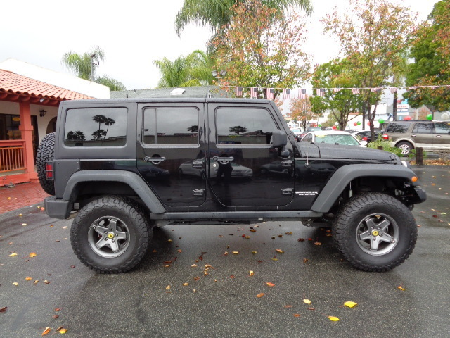 2013 Jeep Wrangler Unlimited Sport Hard Top Lifted Oversize Off Road Tires - 1C4BJWDG7DL600485