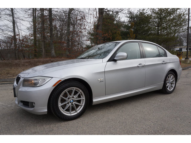 2010 BMW 3 Series 328i xDrive - WBAPK5C59AA651746