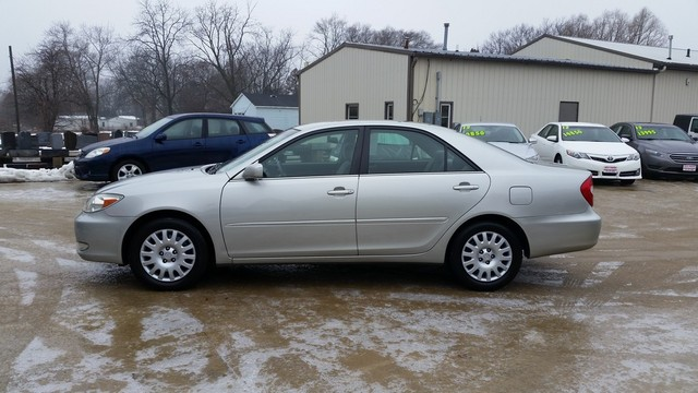2003 Toyota Camry XLE - 4T1BE32K53U244083