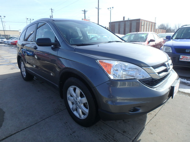 2011 Honda CR-V SE - 5J6RE4H40BL111490
