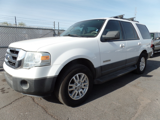 2007 Ford Expedition XLT - 1FMFU15577LA85738