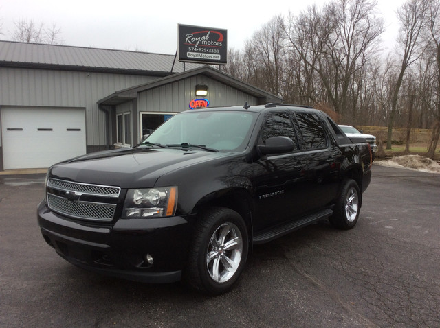 2009 Chevrolet Avalanche LT w/1LT 4WD Crew Cab - 3GNFK22039G176697