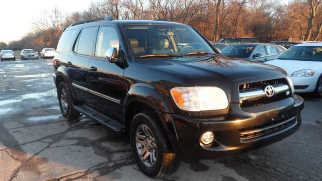 2007 Toyota Sequoia LIMITED 4WD - 5TDBT48A67S286271