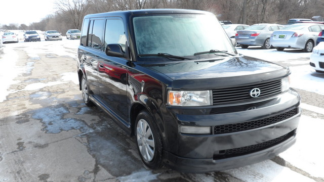 2005 Scion xB XB - JTLKT324854001127