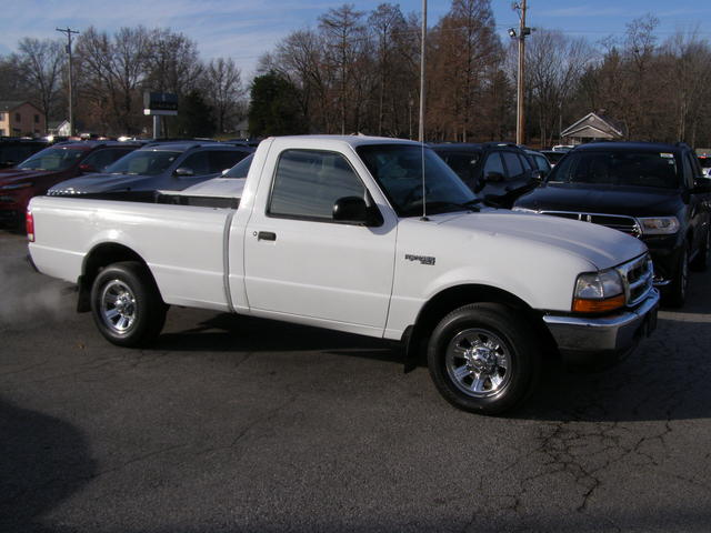 2000 Ford Ranger Regular Cab - 1FTYR10V5YPA94308