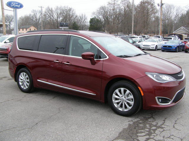 2017 Chrysler Pacifica Touring-L - 2C4RC1BG1HR530431