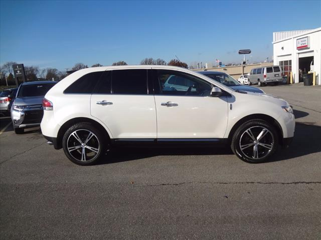 2011 Lincoln MKX Base - 2LMDJ8JK8BBJ28145