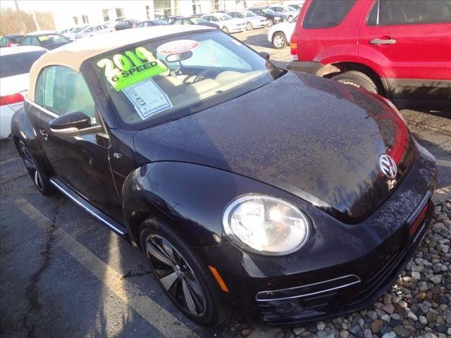 2014 Volkswagen Beetle Convertible R-Line 50384-3VW8S7AT3EM806673-3_x.jpg