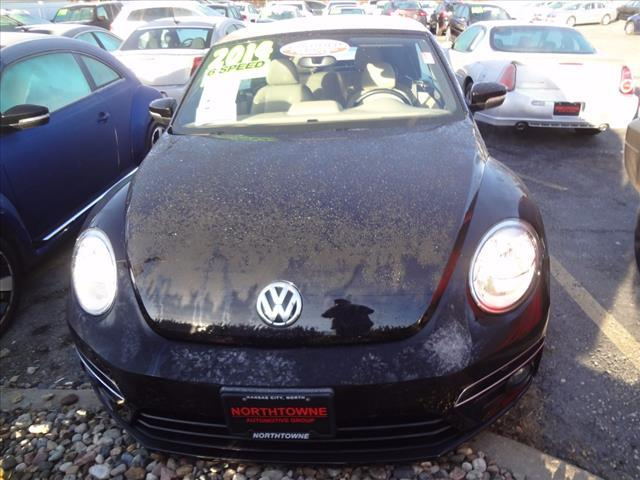 2014 Volkswagen Beetle Convertible R-Line 50384-3VW8S7AT3EM806673-4_x.jpg