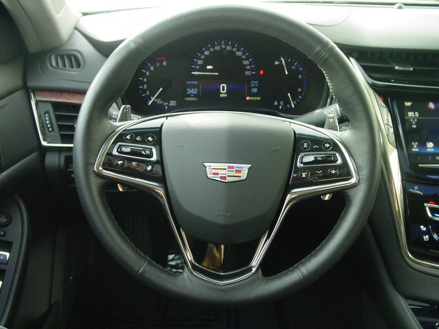 2016 Cadillac CTS Sedan Luxury Collection RWD 00AF9D0B-92C0-D844-5765F11160E73A4D_x.jpg