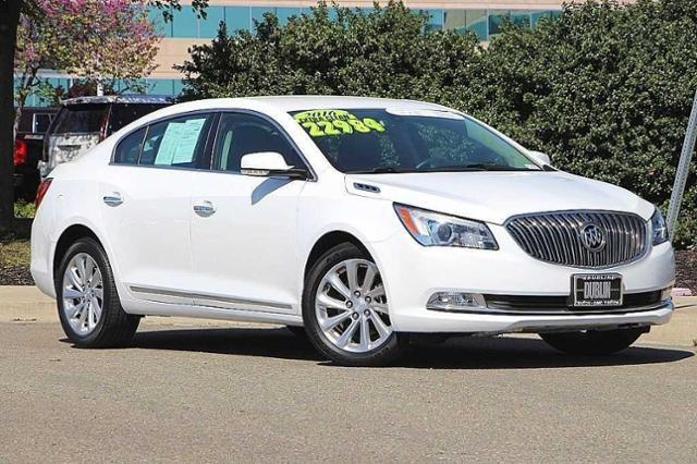 2016 Buick LaCrosse FWD Leather - 1G4GB5G32GF229689